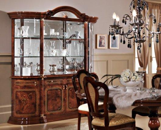 Витрина для гостиной – где купить в Москве?