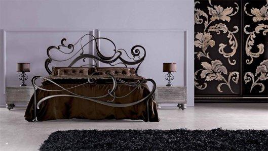В спальню и прихожую новую кованую мебель