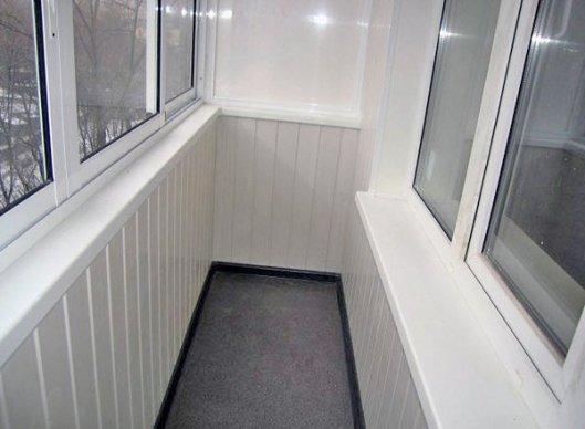 Варианты отделки балконов